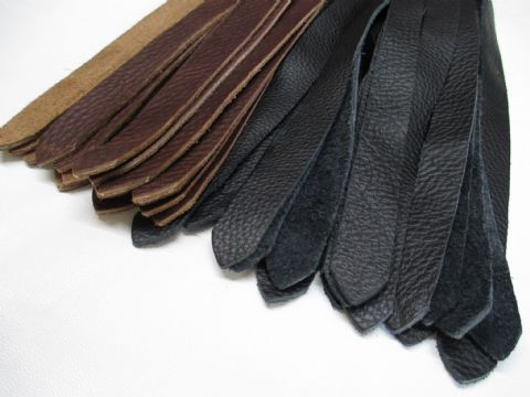Black Stained Oak Wood Handled, 20mm wide Falls Saddle Leather Flogger